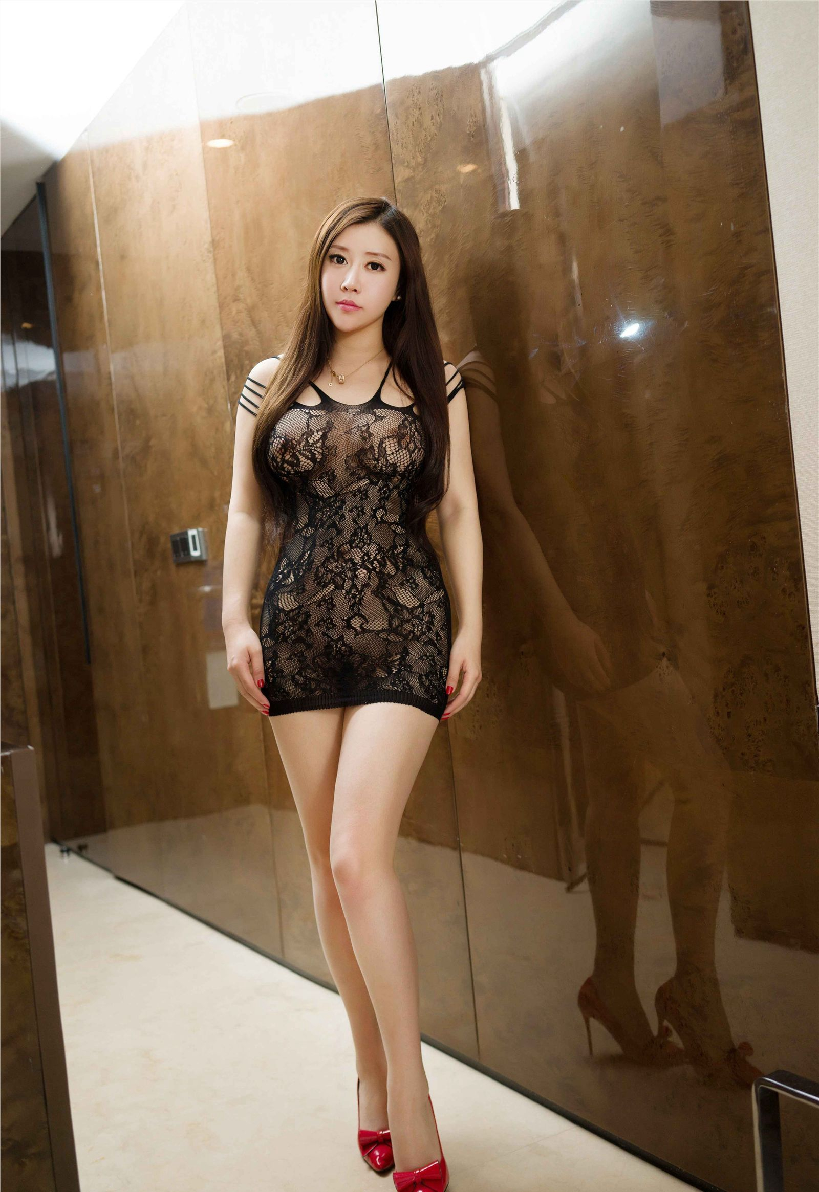 hot Chinese glamour in mesh lingerie