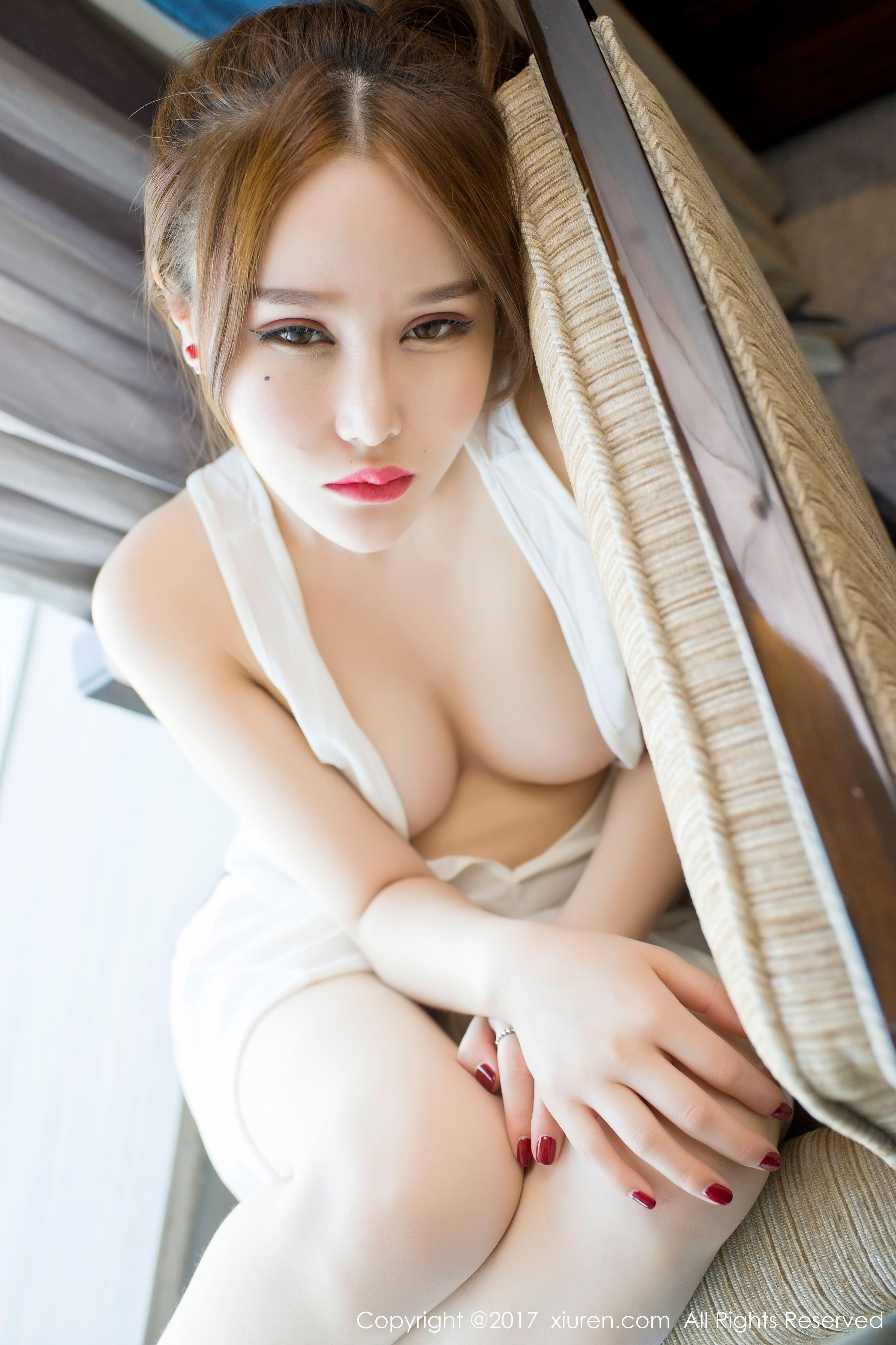 hot Chinese eyes