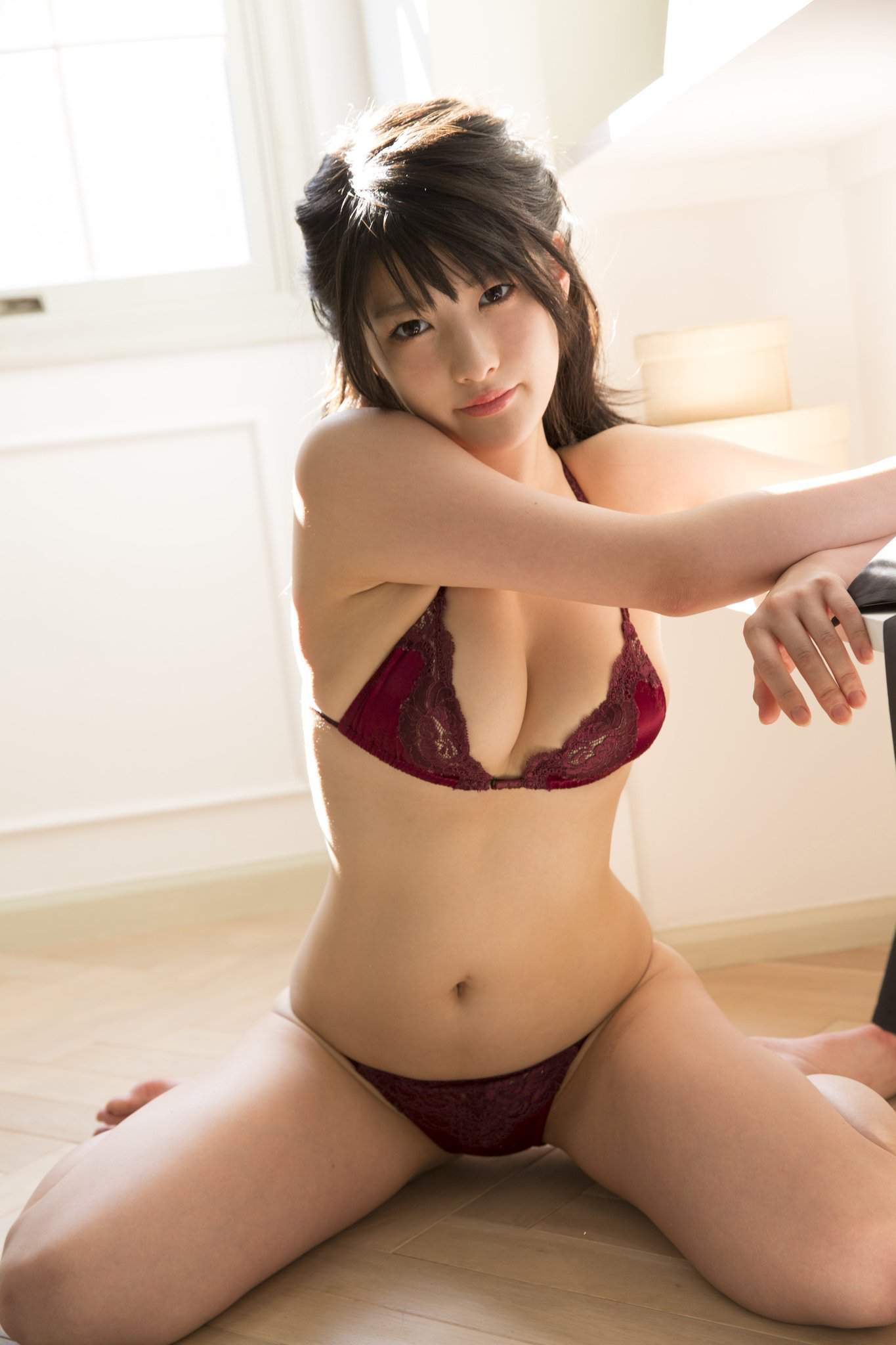 hot pose Asian girl